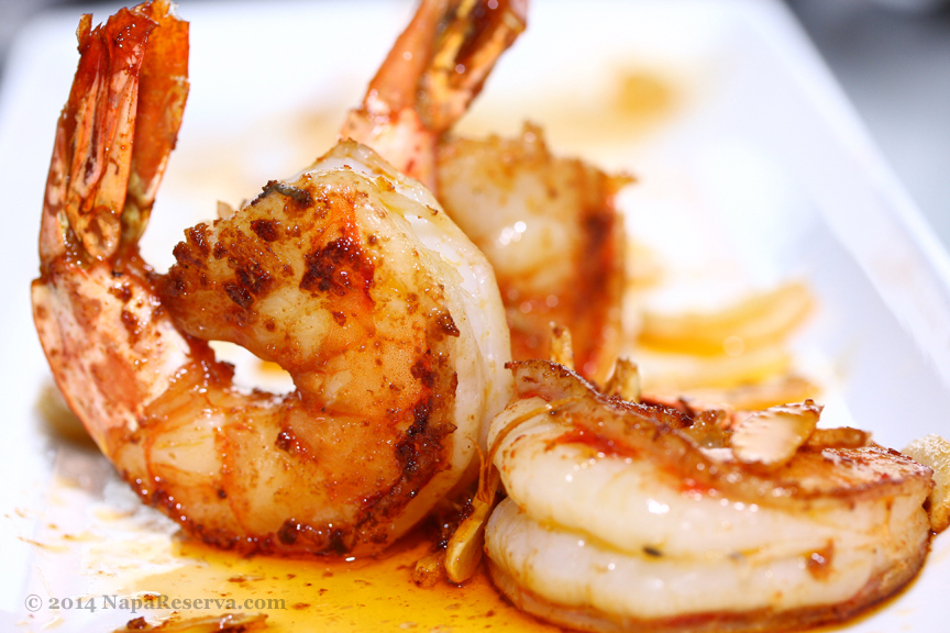 Paprika seared prawns with caramelized garlic